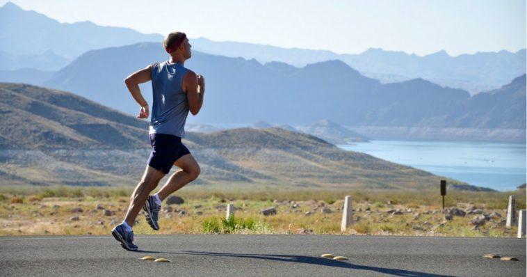 Ragazzo corre running