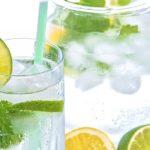 Bevanda rinfrescante alla menta