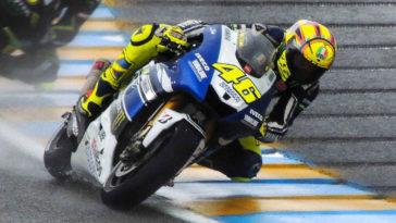 Valentino Rossi alla guida della sua Yamaha.