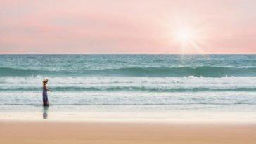 Onde dalla spiaggia.