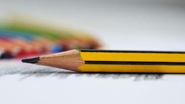 Una matita con forma esagonale