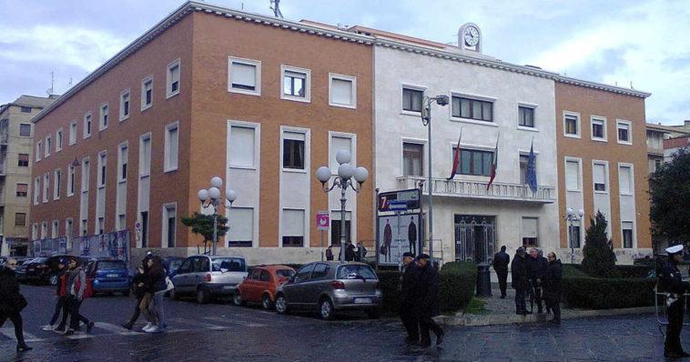 Palazzo comunale di Crotone, la cui sigla dei provincia è KR