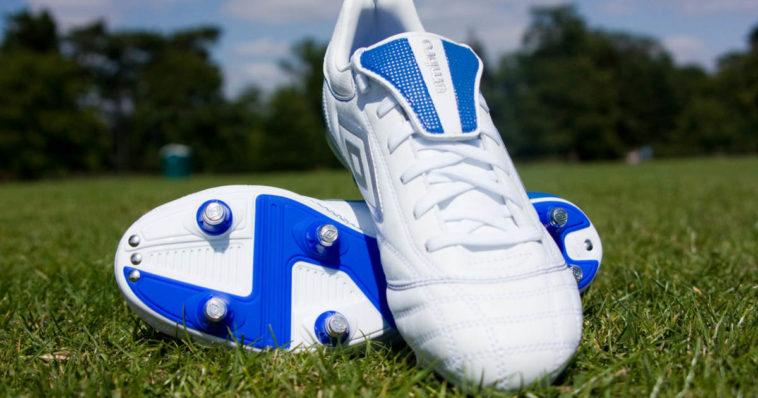 Scarpe da calcio con tacchetti