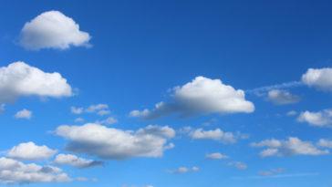 Un bel cielo azzurro